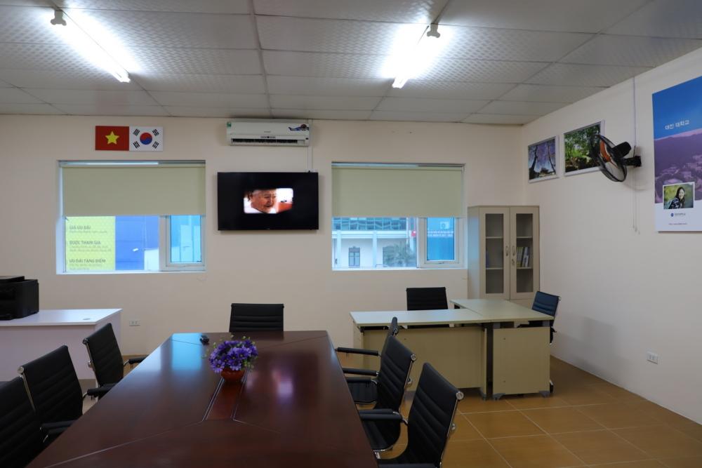 180109_베트남에한국어교육원개원027.JPG