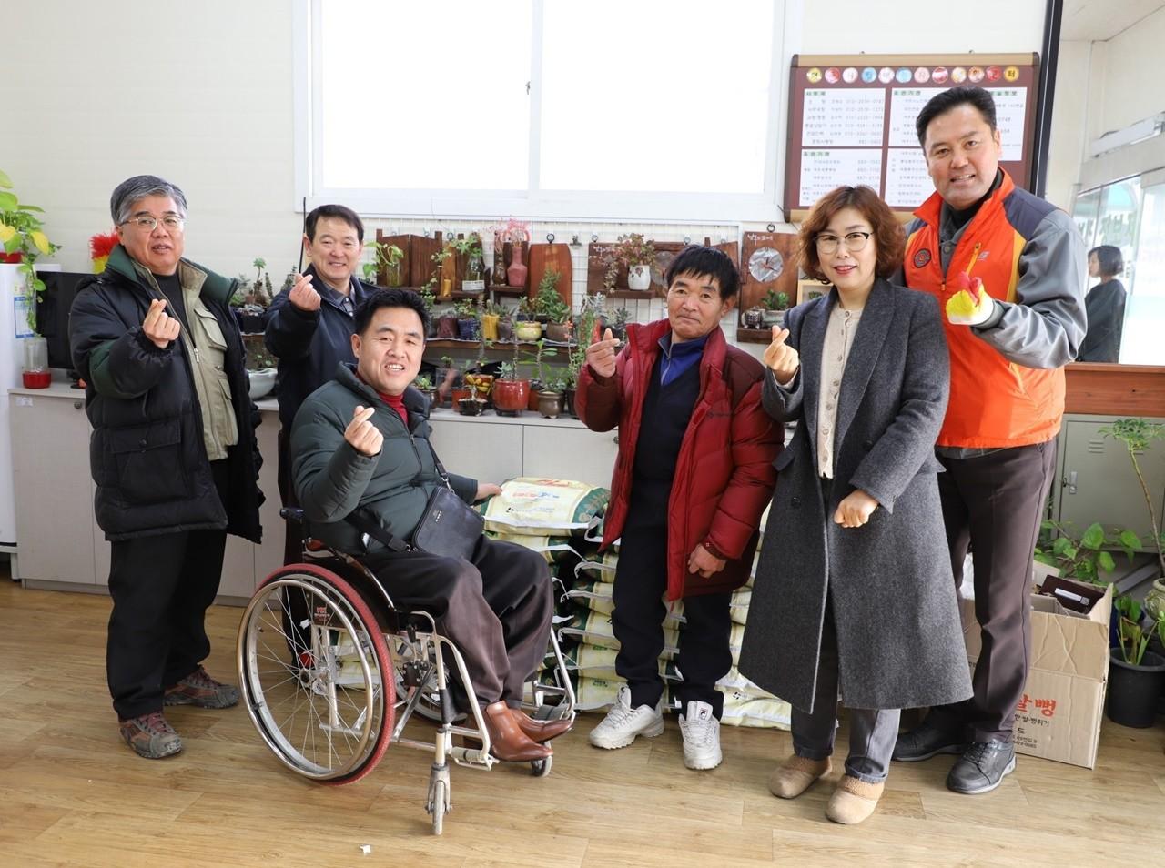 디바, 자립생활센터 쌀 기증.jpg